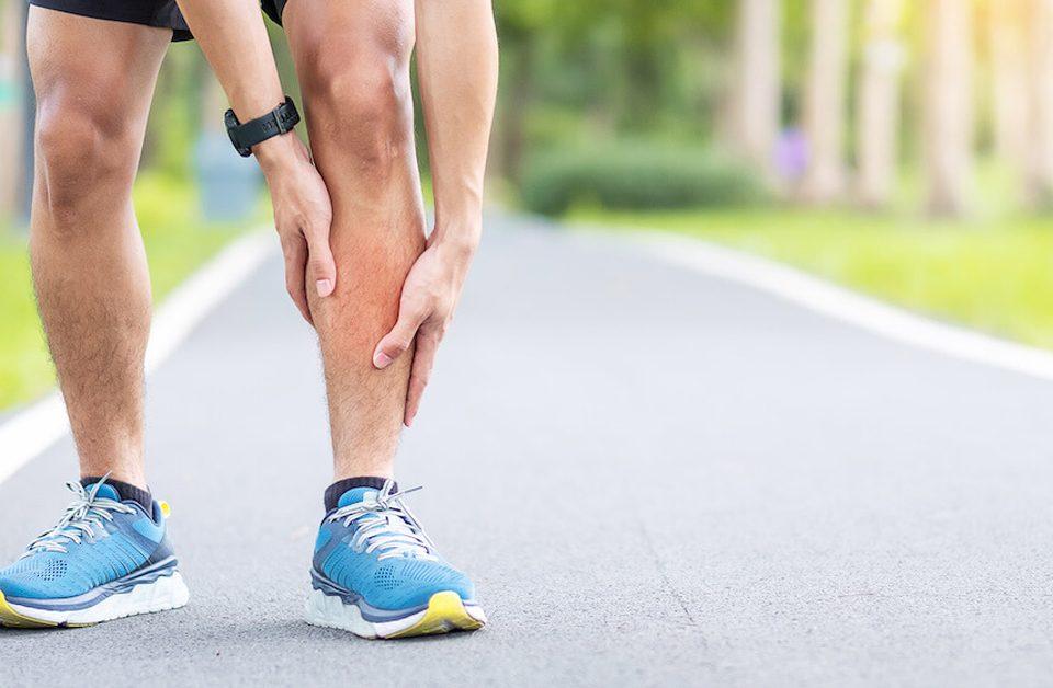 شین اسپلینت دردی است که دراثرورزش،به دلیل استفاده بیش از حد عضلات جلوی ساق پاها ایجاد میشود و سندرم استرس تیبیای میانی نیز نامیده می شود.